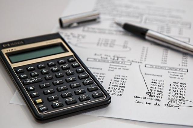 Czym się różni przychód od dochodu?