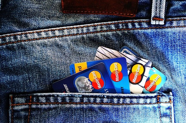 jakie są rodzaje kart płatniczych